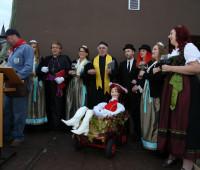 Die Weinhoheiten und Ehrengäste aus Rom bei der Kerweeröffnung